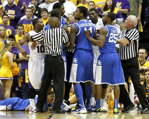 Jones has 27 points, No. 1 UK beats LSU 74-50