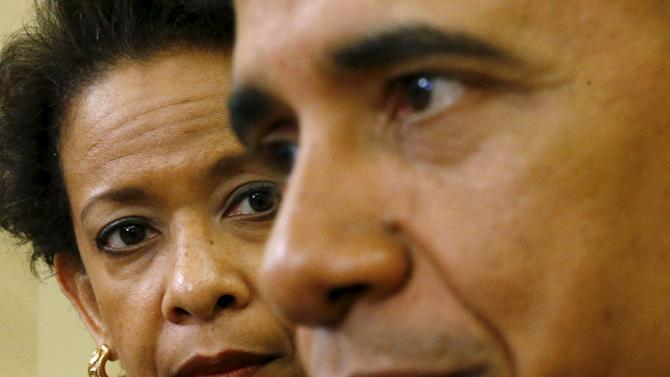 Obama meets with Lynch at the White House in Washington
