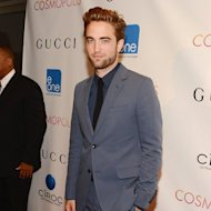 Robert Pattinson diberi Es Krim