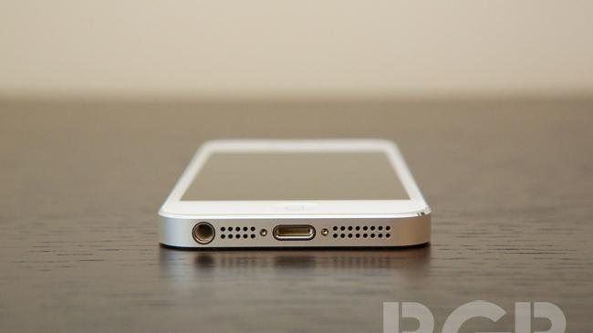 China goes crazy for iPhone 5: Preorders hit 100,000 units in under 24 hours