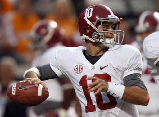 McCarron, No. 1 Alabama rout Tennessee 44-13