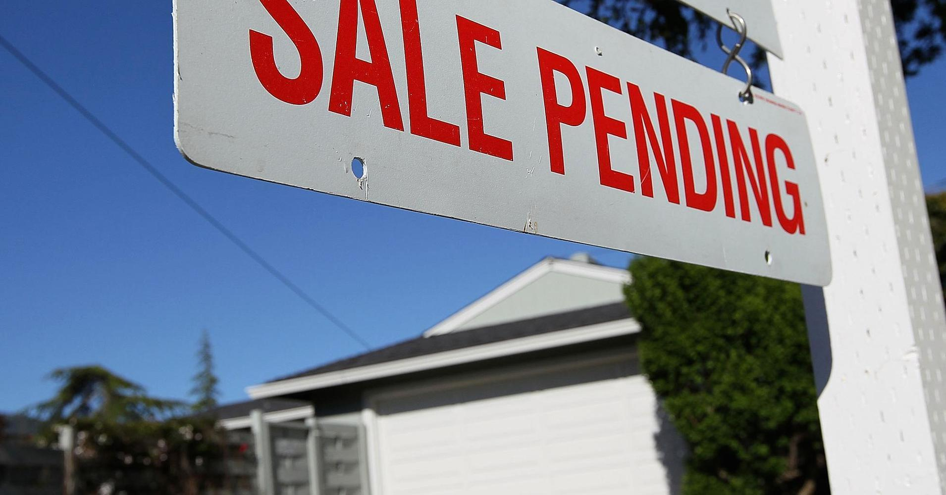 Pending home sales point to hopeful sign for housing