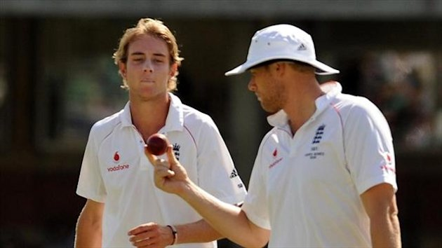 Andrew Flintoff (right) has backed Stuart Broad (left) over his refusal to walk in the first Ashes Test in July.