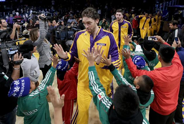 Lakers' Pau Gasol out vs. Warriors with illness