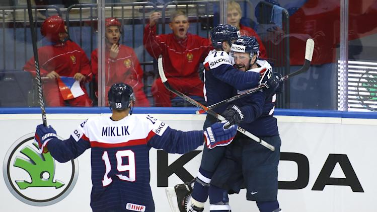France stuns Canada at ice hockey worlds