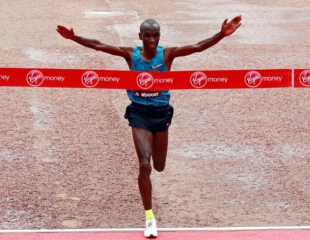 Kipchoge adds London title to marathon collection