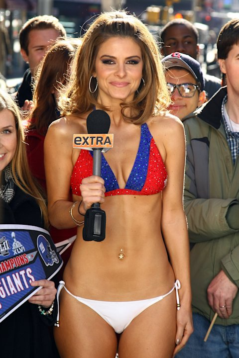 &quot;Extra&quot; Host Maria Menounos Makes Good On Super Bowl Bet Bares All in a New York Giants Bikini