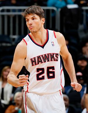 Korver, Hawks rally late to beat Pacers, 89-86