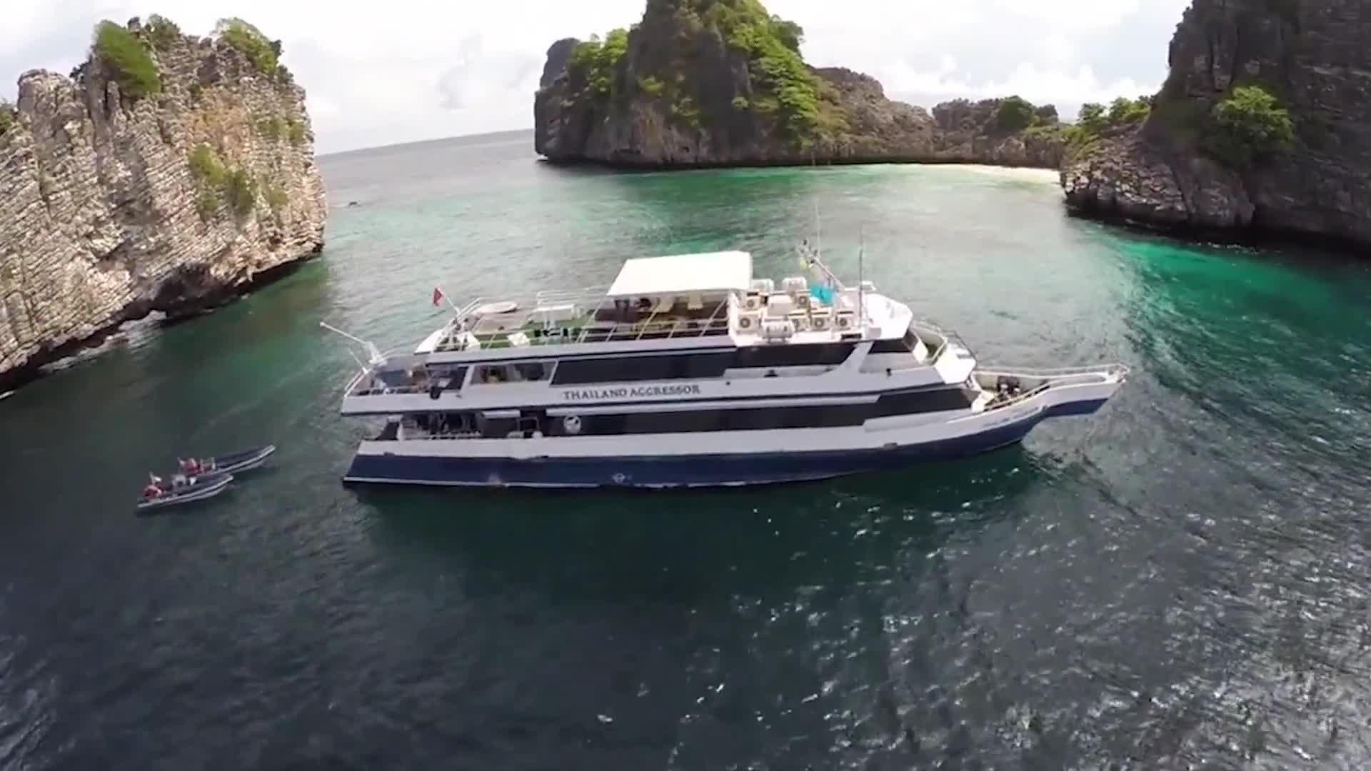 World's Best Diving and Resorts: Thailand Aggressor