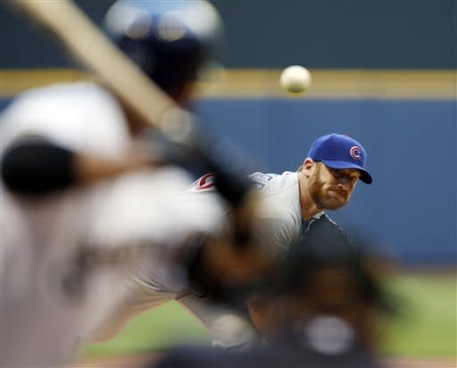 Dempster breaks streak, Cubs pound Brewers 10-0