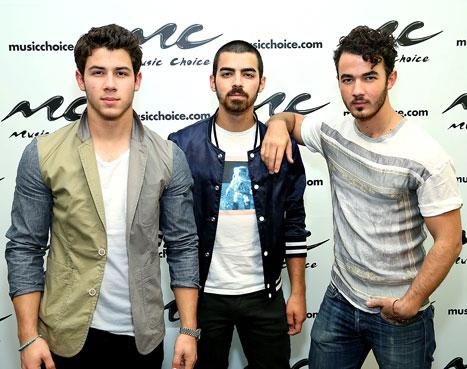 "Jonas Brothers Cancel 19-Date Tour Two Days Before First Show, Have ""Deep Rift Within the Band"""