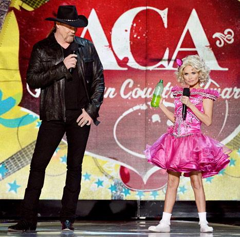 Kristin Chenoweth Dresses as Honey Boo Boo at American Country Awards