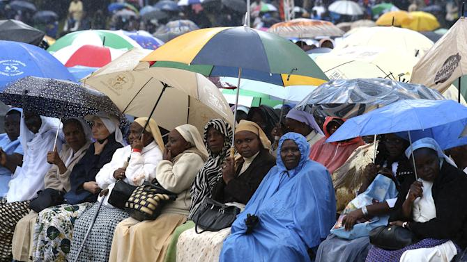 Faithful attend the mass by Pope Francis in Kenya's capital Nairobi