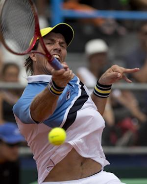 Italy into Davis Cup quarters; ousts Argentina