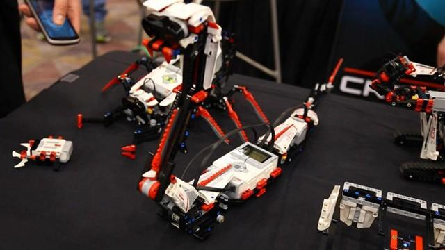 CES in 60: Lego Mindstorms EV3