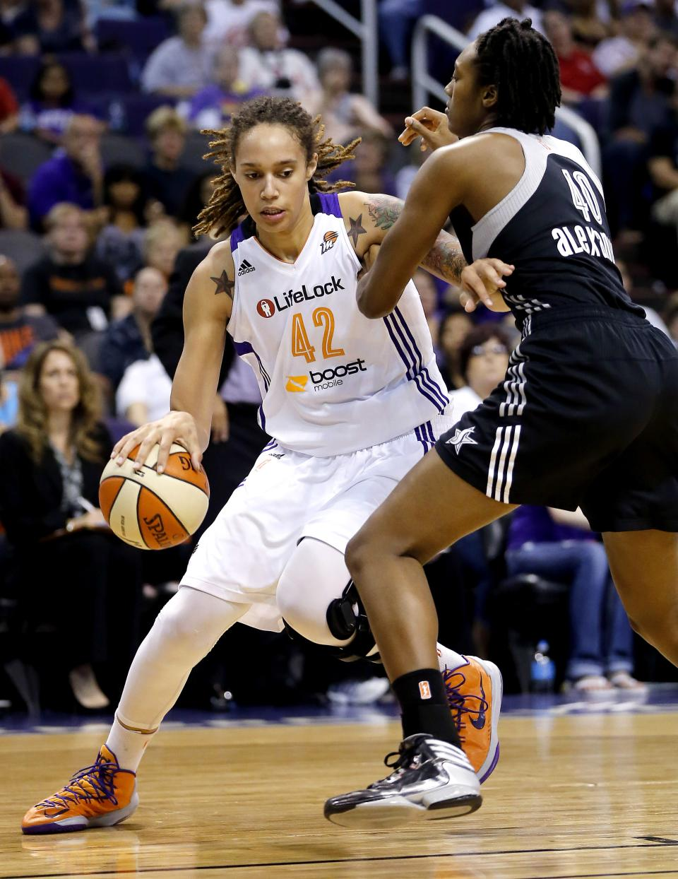 Taurasi leads Mercury over Silver Stars, 82-61