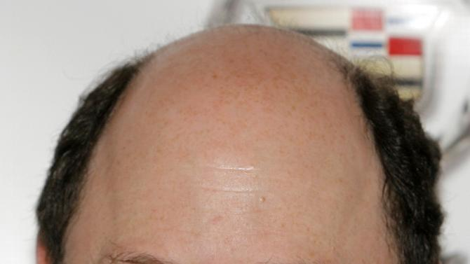 """FILE - This June 7, 2007, file photo, shows actor Jason Alexander in Las Vegas. Alexander has apologized for joking during a TV talk show that he considers cricket to be a """"gay"""" sport. In a blog post, the former """"Seinfeld"""" star explained Sunday, June 3, 2012, what led to his remark on CBS's Late Late Show. He writes that he at first didn't grasp why some might object to the comment, but that subsequent conversations with his gay friends led him to realize his insensitivity. (AP Photo/Jae C. Hong, File)"""