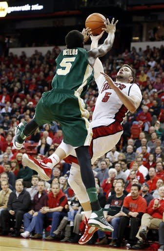 Marshall's jumper lifts UNLV past No. 22 Colo. St