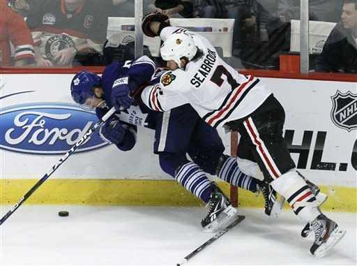 Hossa leads Blackhawks to 5-4 win against Leafs
