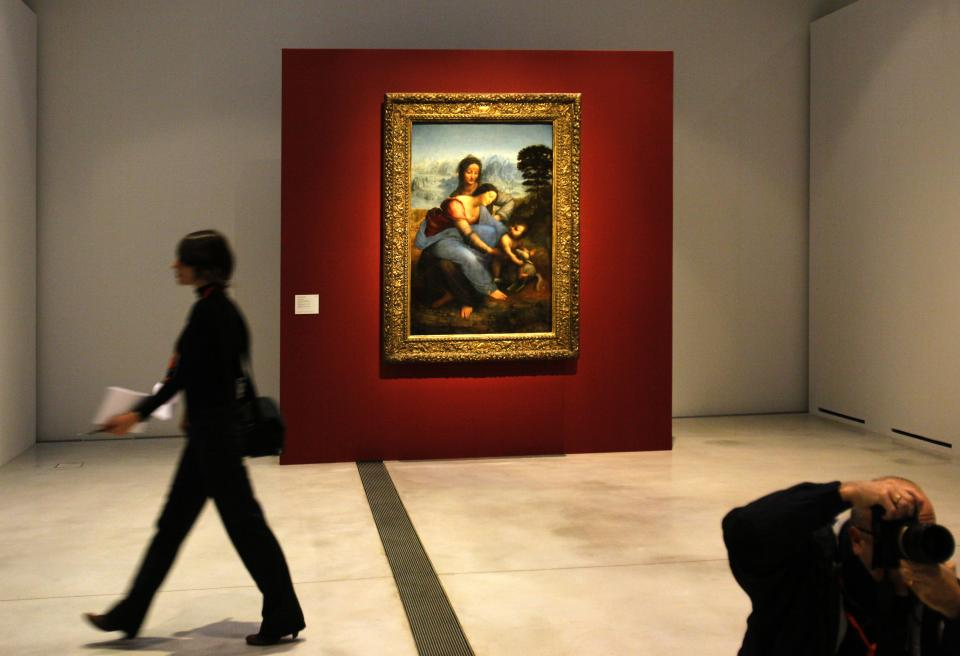 Louvre comes to poor French city, raising eyebrows