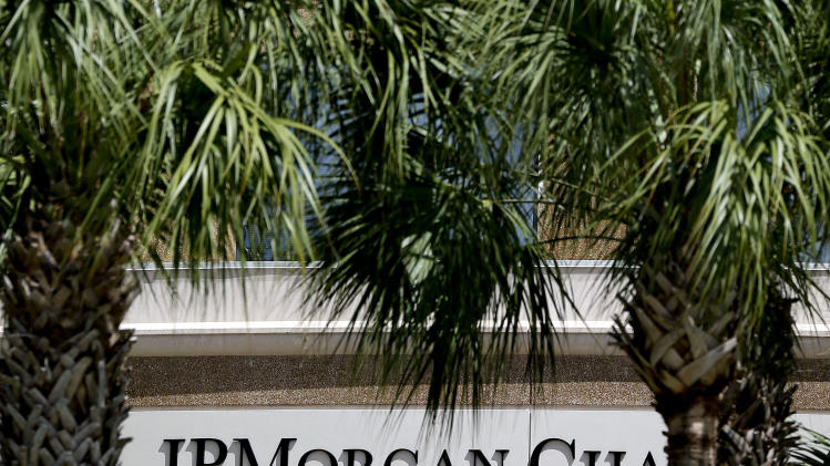 JPMorgan's Dimon survives shareholder referendum