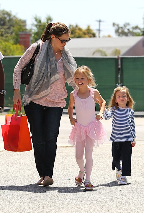 Jennifer Garner, Daughters