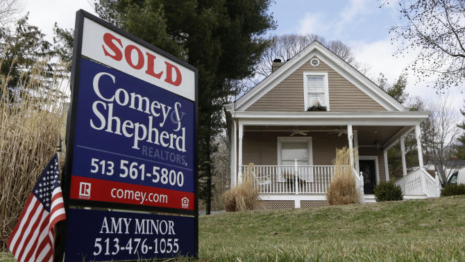 US rate on 30-year mortgage ticks up to 3.57 pct.
