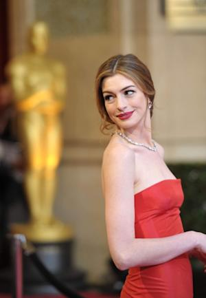 Anne Hathaway arrives at the 83rd Annual Academy Awards held at the Kodak Theatre on February 27, 2011 in Hollywood --