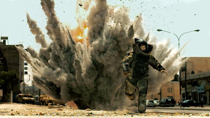 """FILE - In this film publicity file image released by Summit Entertainment, Jeremy Renner is shown in a scene from, """"The Hurt Locker.""""  (AP Photo/Summit Entertainment)"""