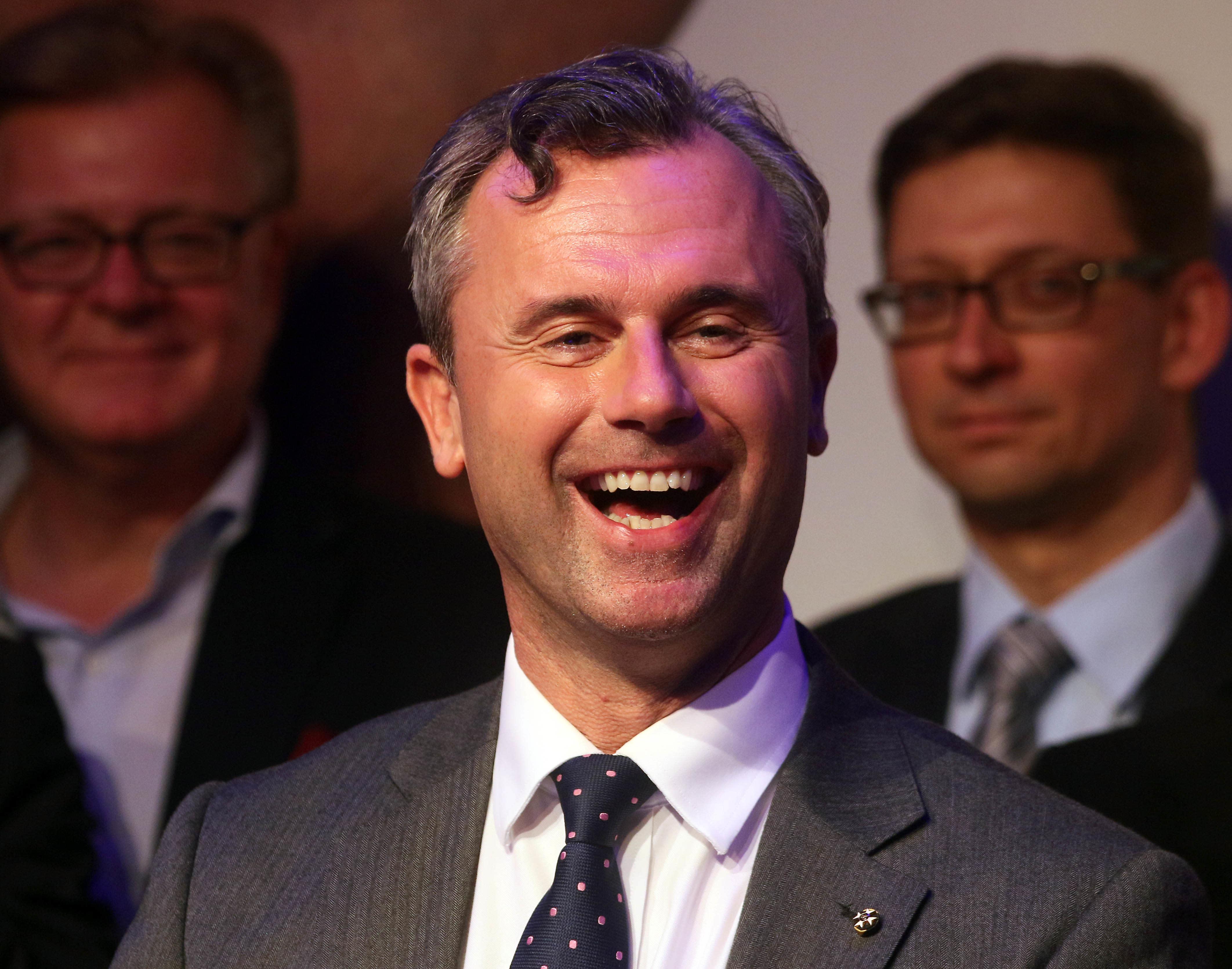 Austrian court overturns presidential elections, calls rerun