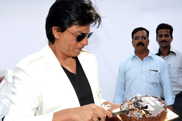 Shah Rukh's 47th birthday with his fans