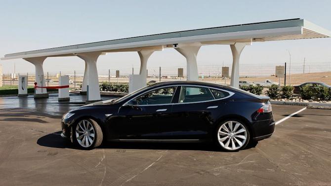 Local Dealers Pan Tesla's Online Sales, Apply Legislative Pressure
