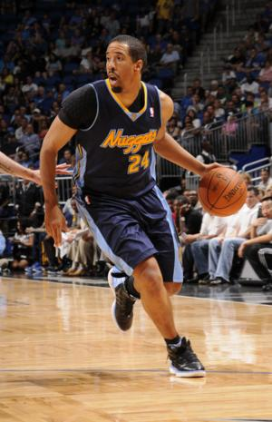Lawson's 25 leads Nuggets past Howard-less Magic