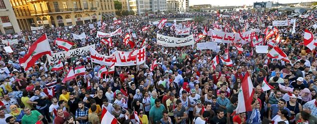 Waste crisis spurs huge Beirut rally against leaders