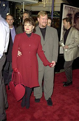 Premiere: Roseanne and her man at the Westwood premiere of 20th Century Fox's Cast Away - 12/7/2000