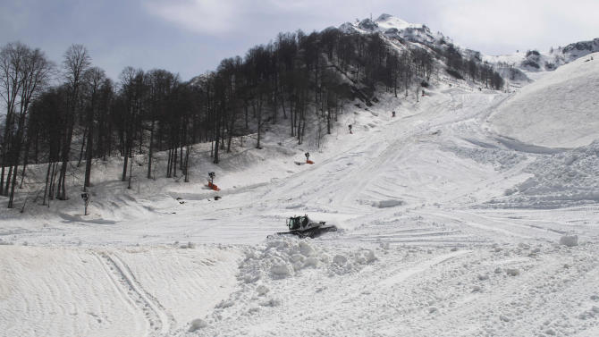 Russia's Sochi busy storing snow for 2014 Olympics
