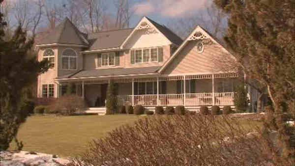 """James Bond Gang"" strikes dozens of homes in Rockland County"