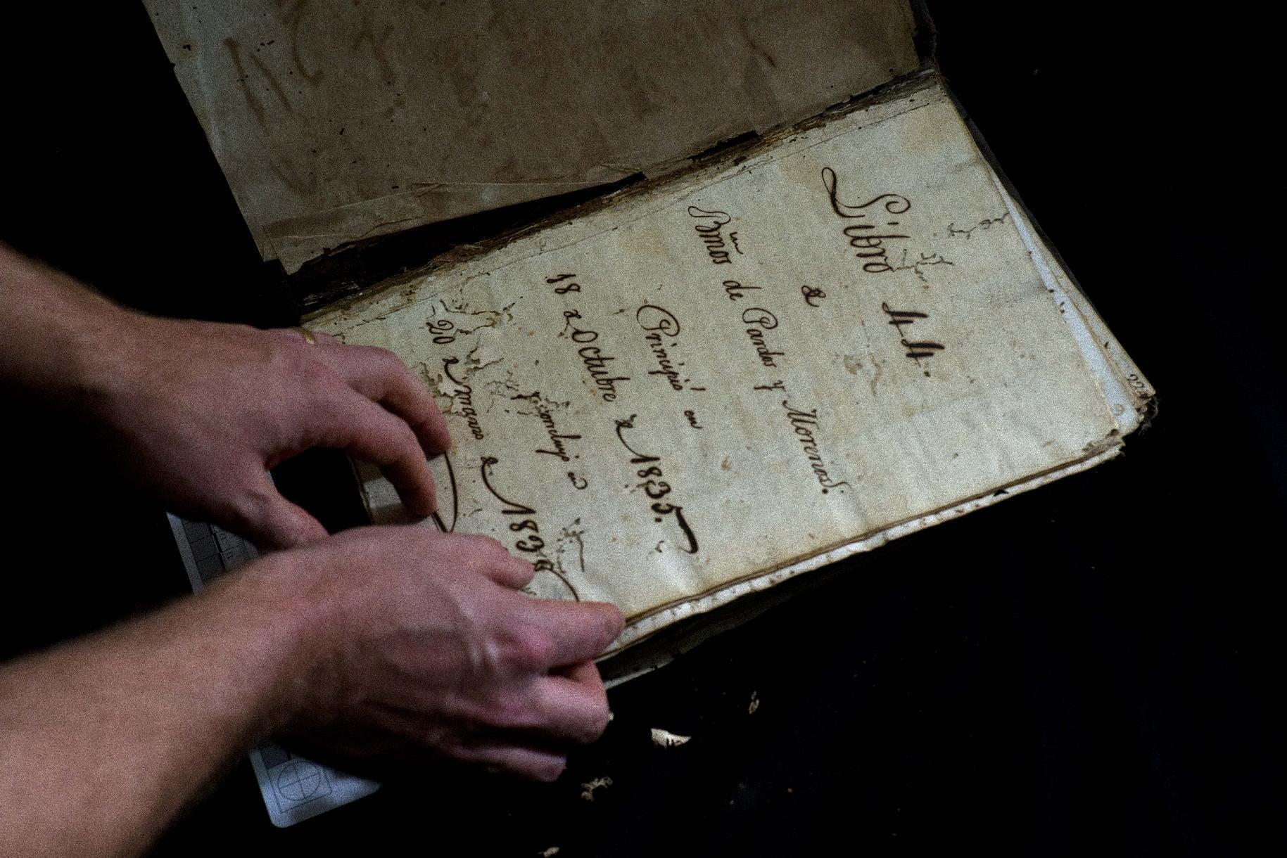 Academics race to save rare colonial documents in Cuba