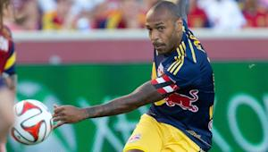 New York Red Bulls' Thierry Henry juggles out of trouble amid three defenders (GIF) | SIDELINE