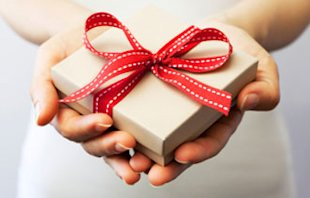 Three Ways to Give Back to Your Community at Holiday Time