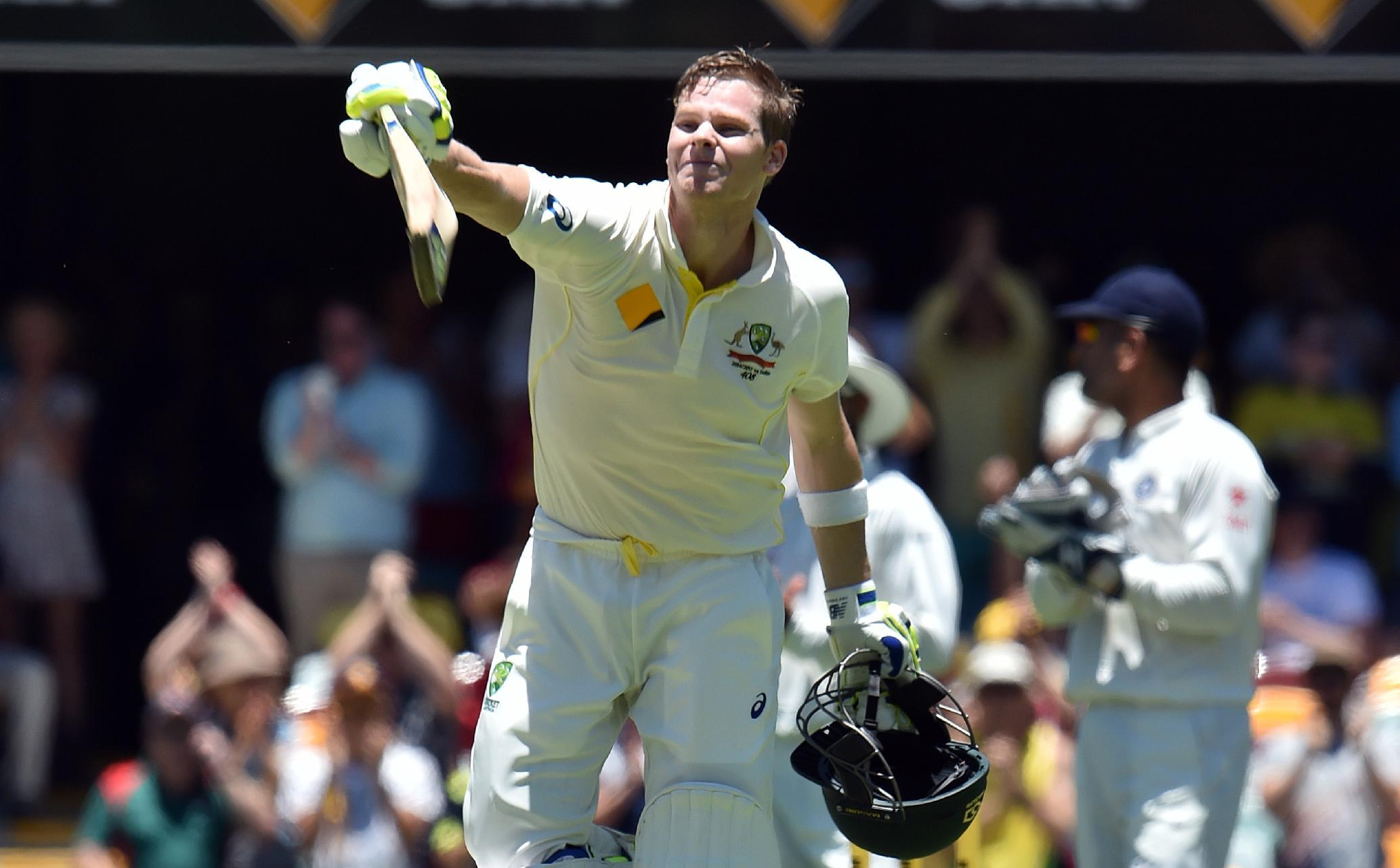 Aussies edge ahead of India with Smith ton