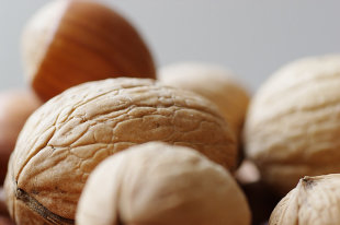 walnuts prevent breast cancer decrease risk