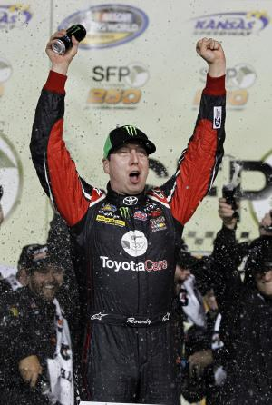 Kyle Busch dominates in Trucks for Kansas win