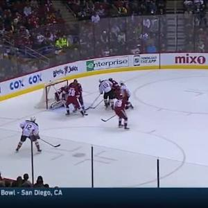 Devan Dubnyk Save on Patrick Maroon (15:44/1st)