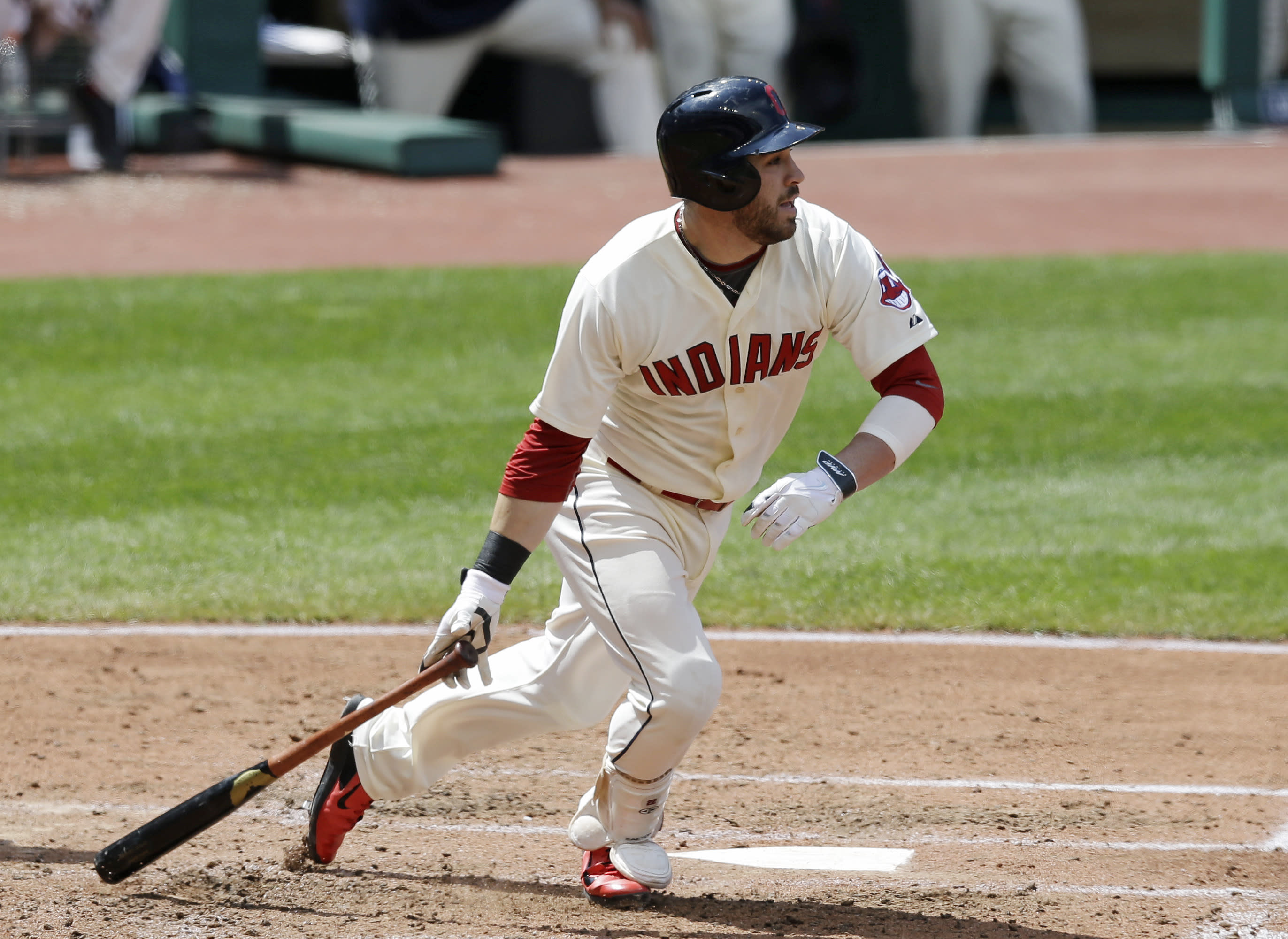 Indians second baseman Kipnis has finger surgery