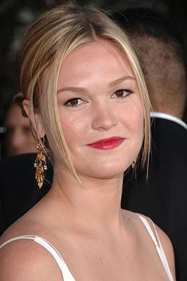 Julia Stiles at the Hollywood premiere of Universal Pictures' The Bourne Ultimatum
