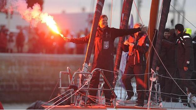 Sailing - Thomson smashes British around-the-world record