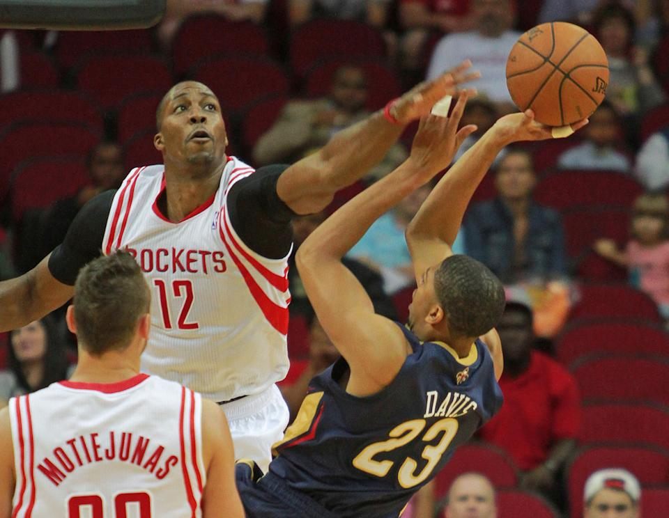 Pelicans beat Rockets in Howard's debut