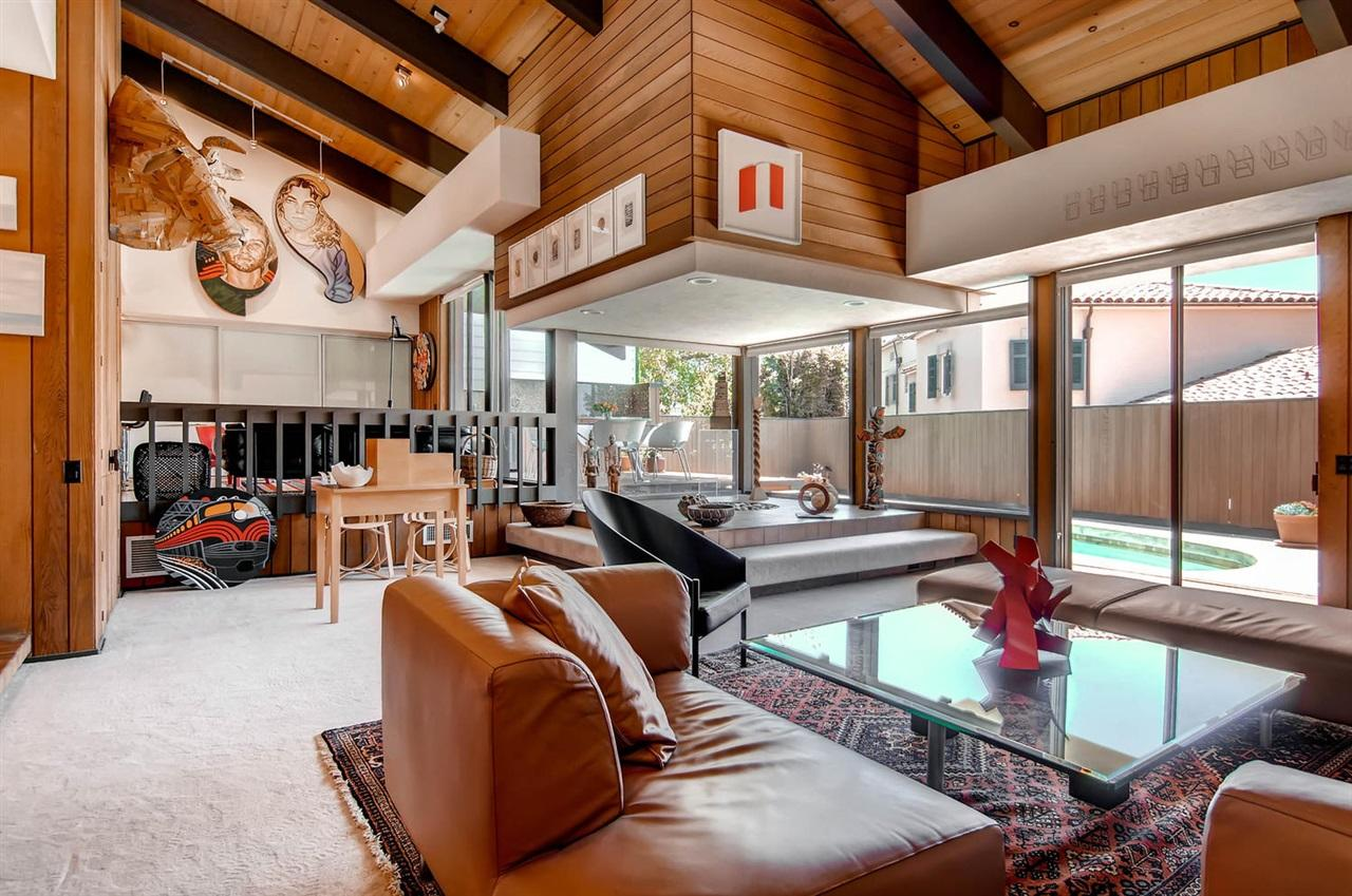 House of the Day: A Glorious Midcentury Time Capsule Could Be Yours For $1.6M