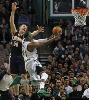 Pierce's 17 in 3rd leads Celtics past Indy 94-87